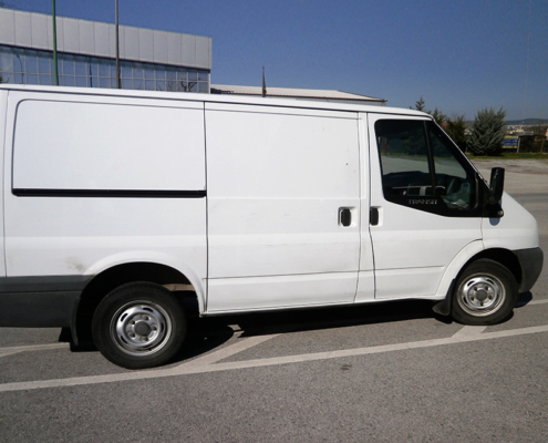 ford-transit-limited-cars-b